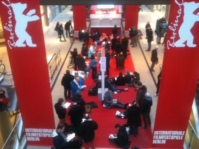Berlinale ist, wenn jemand winkt – die Internationalen Filmfestspiele von Berlin sind eröffnet